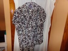 1 LAURA SCOTT WHITE WITH BROWN FLOWER DESIGN WOMANS 24/28 w PULLOVER
