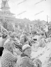 Beach life-1920/30-Fashion-Cute Happy young-Boy-Men-Girl-trunks-swimsuit-nude-8