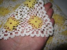 HAND Crocheted Cotone Copriletto Coperta Di Copertura Bianco con margherite gialle 51x88''