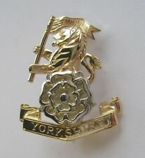 New 9ct Gold Lady's YORKSHIRE REGIMENT Sweetheart Brooch Pin - Jewellery.