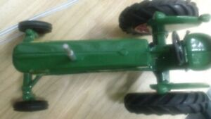 OLIVER SUPER 66 TOY TRACTOR
