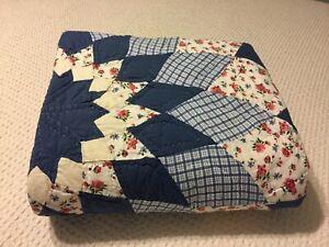 "Vintage Handmade Patchwork Star Pattern Quilt Twin 66""x 84""  Blue White Gorgeous"