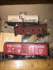 TRAIN SET PARTS ONLY! VINTAGE ATLAS caboose, box CAR ,Tanker, plastic ORIGINAL