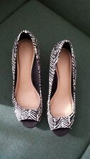 MARKS & SPENCER: Lovely Ladies Black and White Peep Toe Shoes - Size 5.5 (NEW)