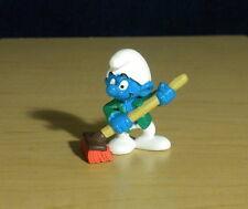 Smurfs Caretaker Smurf 20462 Broom Sweeper Cleaning Figure Vintage Toy Schleich