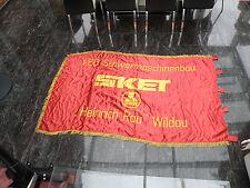 FDGB-Ehren-Fahne des VEB SKET SHR Heinrich Rau Wildau