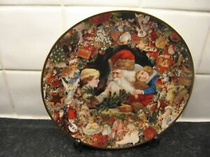 VICTORIAN CHRISTMAS MEMORIES   PLATE   - A VISIT FROM ST. NICHOLAS -  HAMILTON