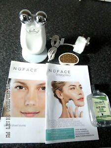 NuFACE Trinity Device plus Wrinkle Reducer Head in White UK Charger Ex Condition