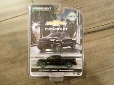Greenlight 1:64 2018 Chevrolet Silverado 1500 Midnight Edition 29941 Chase Car