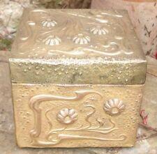 Boite Artisanale Art Nouveau Laiton embouti Jugendstil stamped Brass Box