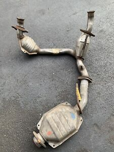 84-86 Ford Mustang NOS catalytic Converter Set Complete 3.8 V6 Cat Old Stock