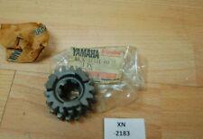 Yamaha YZ125 1LX-17131-00-00 GEAR,3RD PINION Genuine NEU NOS xn2183