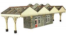 Island Platform Building - OO/HO Card kit – Metcalfe PO322
