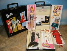 MY FAVORITE 1959 BARBIE DOLL, 5 REPRO FASHIONS, DOLL CASE w/DRAWER & ACCESSORIES