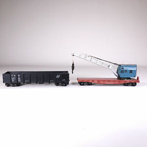 Roundhouse? Die-Cast Metal HO Crane on PA Flatbed and CNW Gondola 1950s