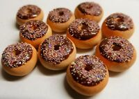 DOLLS HOUSE MINIATURE FOOD 1:12 10 X CHOCOLATE FROSTED DONUTS COMBINED P+P