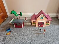 Playmobil Animal Clinic City Life Vets Outdoor Care Station Incomplete Set.