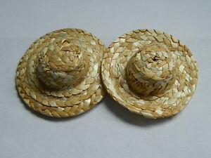 (A5) 1/12th scale DOLLS HOUSE 5CM DIAMETER PAIR OF STRAW HATS
