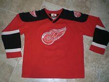 Vintage BRENDAN SHANAHAN Detroit Red Wings Jersey Size Youth Medium 10-12
