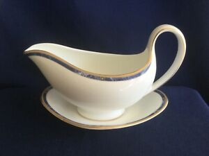 Wedgwood Cantata gravy boat & saucer (saucer is second quality)