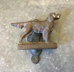 A NICE SMALL VINTAGE BRONZE ENGLISH SETTER DOG DOOR KNOCKER