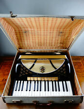 Hohner Accordion Lucia IV P Piano Keyboard 37 Keys 96 Bass 9 Register with Case