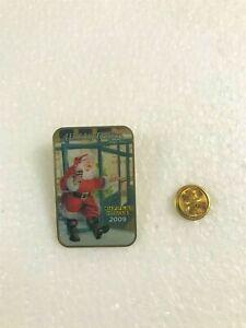 CHRISTMAS - Waffle House 2009 Holiday Pin