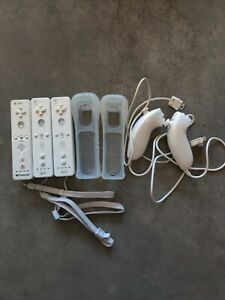 Nintendo Wii Remote Controllers White RVL-003, Original OEM Nunchucks and covers