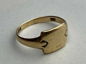 "9ct .375 Vintage Yellow Gold Panelled Signet Ring Size UK ""V 1/2"" Ship Worldwide"
