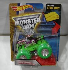 2016 HOT WHEELS MONSTER JAM GRAVE DIGGER COLOR TREADS (NOTE BLISTER)