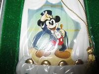1997 WDCC Walt Disney Collectors Club Ornament Magician Mickey ON WITH THE SHOW