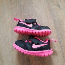2 Original Nike Babyschuhe für Mädchen