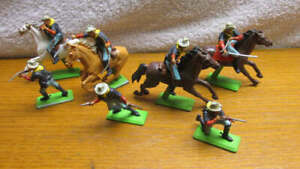 Vintage Britains Deetail 4 Mounted & 3 Dismounted Cavalrymen & 4 Horses- England