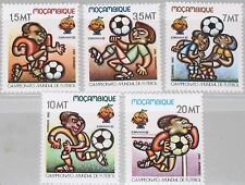 MOZAMBIQUE MOCAMBIQUE 1982 884-88 813-17 Soccer World Cup Spain Fußball WM MNH