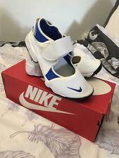 Teen / Ladies White/ Blue  Nike Rift Size UK4 4.5