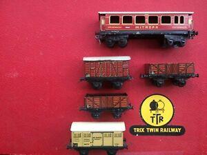 TRIX TWIN TRAIN PRE WW2 1935 FIRST ISSUE WAGONS & COACH LOT x 5 FOR TRIX TRACK