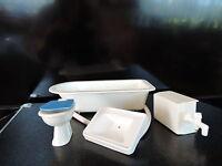 Bad Einrichtung für Puppenstube Wanne, Toilette, Waschbecken ,2 Wasserhä