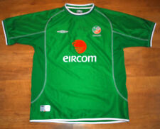 Umbro Ireland 2001/2003 home shirt (signed by Steve Staunton)(Size XL)