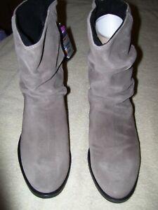 Women's Martino Britney Boots Size 8.5B