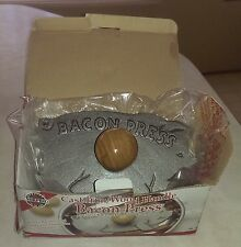 Norpro Bacon Press~Pig Shape Cast Iron Wood Handle~New~Country Cooking Gadget