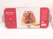 NORDIC WARE BEEHIVE CAKE PAN 10 CUP/2.4 LITER CAST ALUMINUM 54537 NBO