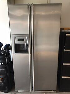 Smeg fridge freezer side by side ice maker