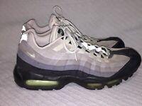 Men's Size 11 Nike Air Max 95 Green/Gray/White OG Athletic Sneakers 609048-136