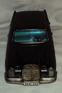 VINTAGE BANDAI FRICTION POWERED MERCEDESE BENZ 220 TIN PLATE TOY JAPAN 1960