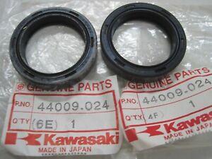 KAWASAKI NOS FORK SEAL SET (2) 44009-024 KH500 Z1R Z1000 Z900 Z650-C,s