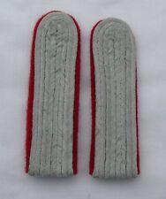 German WW2 Army Leutenant-Captain ranks. Red underlay. Artillery