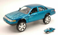 Model Car diecast Ford Crown Victoria 1998 Scale 1:24 vehicles road