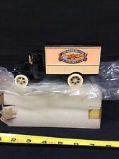 Ertl1926 Mack Bulldog Delivery Truck Bank w/Key J.I.Case Threshing Co. Die-Cast