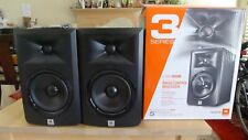 """JBL LSR305 5"""" Two-Way Powered Studio Monitor Kit - Pack of 2, one is not working"""