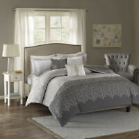 BEAUTIFUL MODERN CHIC LIGHT GREY BLACK MEDALLION SCROLL COMFORTER SET & PILLOWS